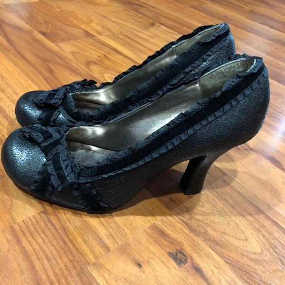 6f79fc5a7569 BONGO Shoes - NWOT Bongo chunky black high heels w ribbon 8.5